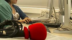micrófono rojo